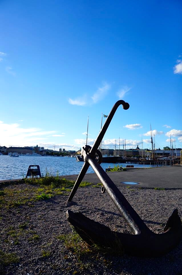...this picture i think is really symbolic for stockholm. everywhere you go you end up close to the water or some kind of port or bay which rewards the city with this nordic naval charm. is it weird if i somehow love anchors?...