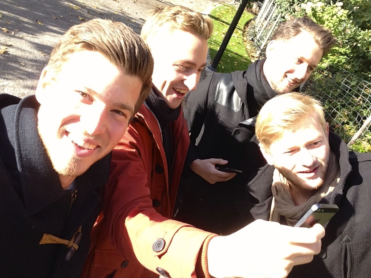 boys just wanna have fun, selfie action in the center of stockholm