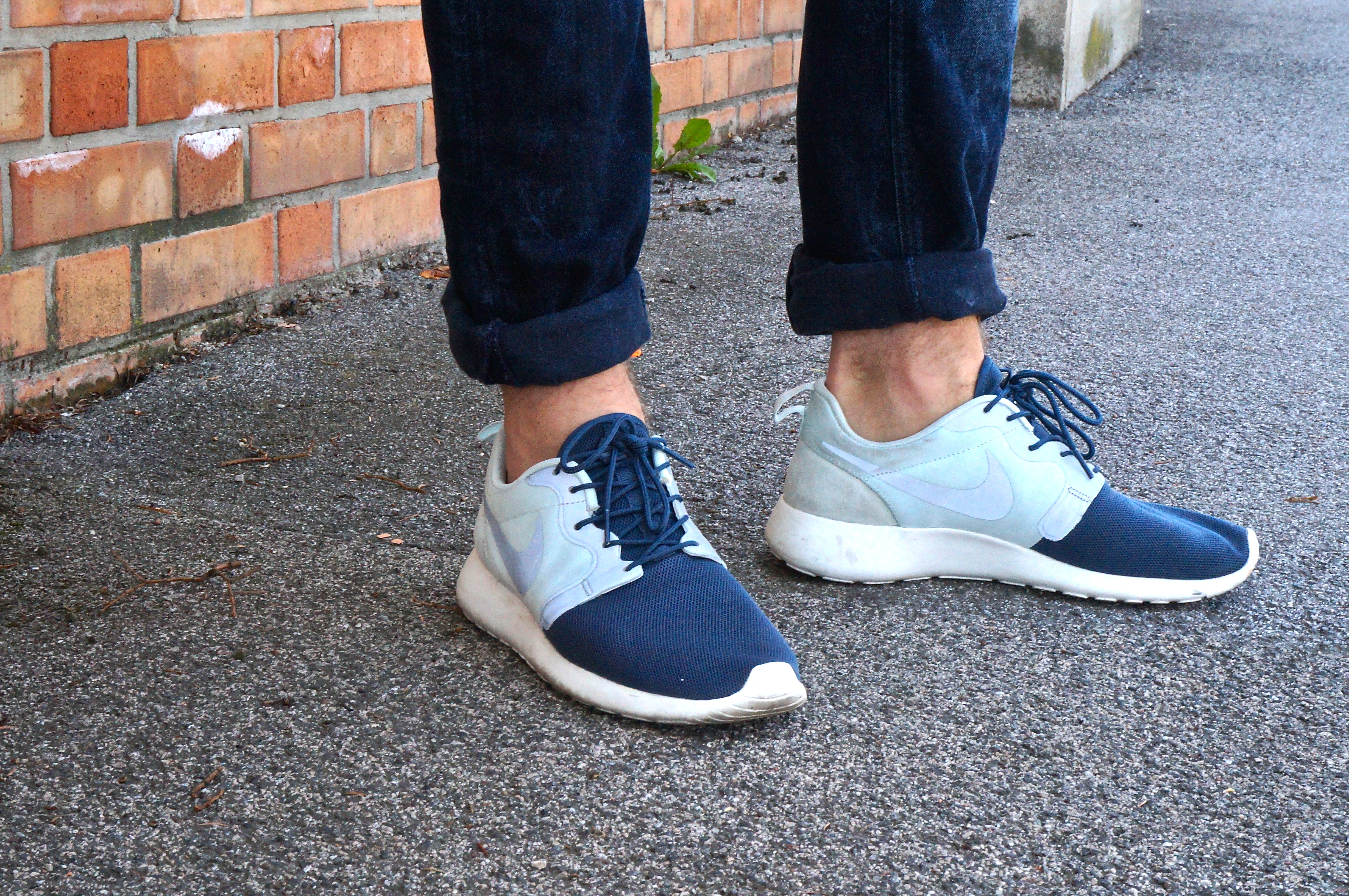 nike roshe run with jeans