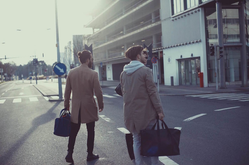 streetwear essentials zanerobe bomberjacket parka bomberjacke longsleeve herrenmode modeblogger herrenblog männerblog etq kapten and son wien modeblog männermode