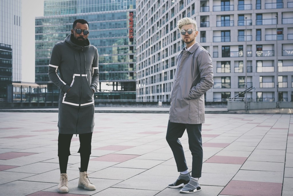 Meanwhileinawesometown-menswear-mensfashion-modeblogger-blonde-haired-guy-wearing-all-grey-outfit-by-Jack-and-jones-premium-tiger-of-sweden-oscar-jacobson-and-adidas-NMD-city sock-with-new-kiss-on-the-blog