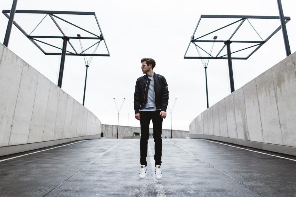 Urban Basics für den Modernen Mann | DC Tower Wien | Meanwhileinawesometown | Modeblogger | Maximilian Salzer I Fotografie I www.maximiliansalzer.at I 2016