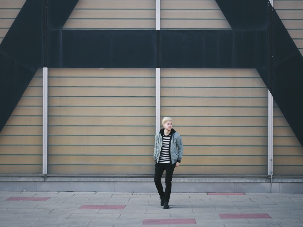Meanwhile in Awesometown and New Kiss on the Blog | Men's Fashion and Styleblogger | Outfit Spring Bomber Jacket Striped Tee Yeezy Boost 350 Pirate Black | Tiger of Sweden BLK DNM Adidas Originals Scotch & Soda