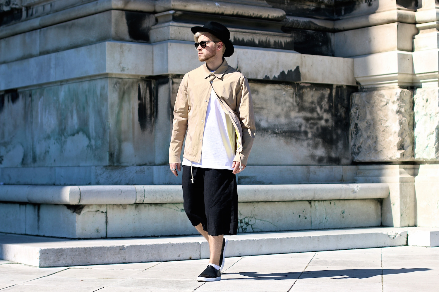 Asos #AsSeenOnMe: Urban Baggy Streetstyle wearing Culotte Shorts, Coach Jacket and Slip-Ons