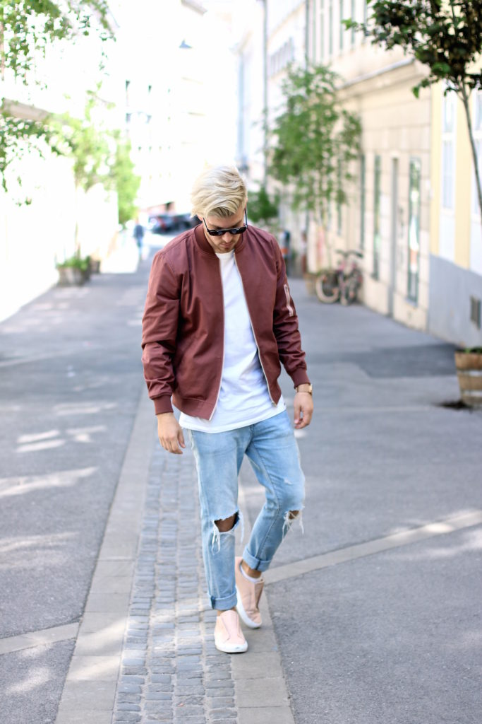 Meanwhileinawesometown Austrian Mens Fashion and Lifestyle Blogger Pink Bomber Jacket Nude Sneakers Asos Neuw Denim Son of a Tailor Tods Sunglasses_1