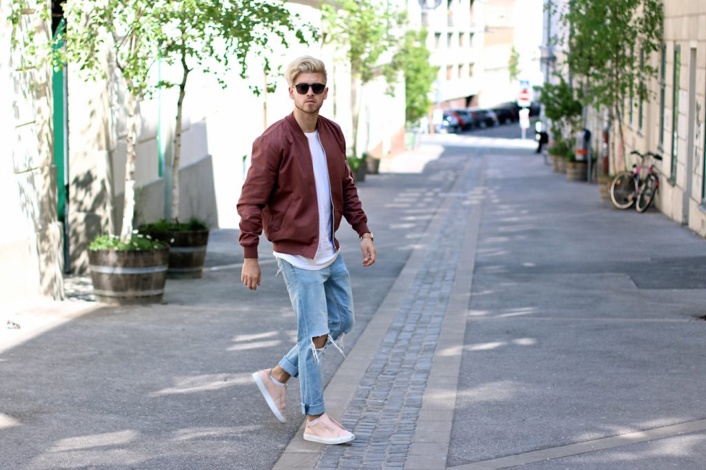 Meanwhileinawesometown Austrian Mens Fashion and Lifestyle Blogger Pink Bomber Jacket Nude Sneakers Asos Neuw Denim Son of a Tailor Tods Sunglasses_2