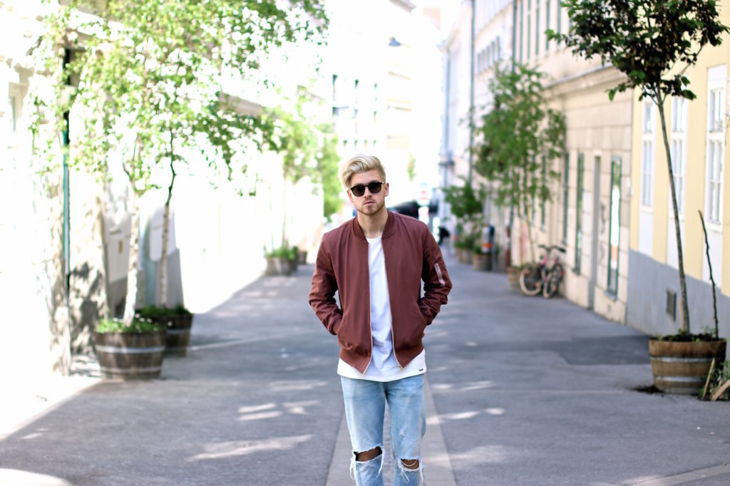 Meanwhileinawesometown Austrian Mens Fashion and Lifestyle Blogger Pink Bomber Jacket Nude Sneakers Asos Neuw Denim Son of a Tailor Tods Sunglasses_7