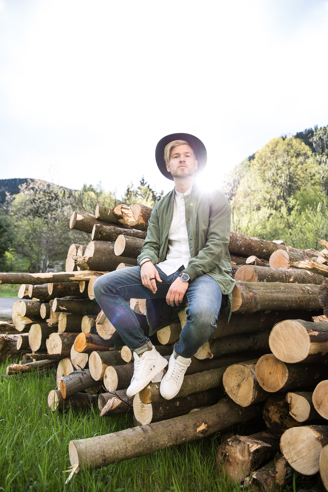 The Explorer | Discovering Semmering with Vangardist & Mini | Outfit by Carlings