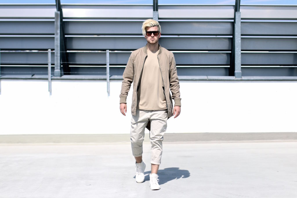 meanwhileinawesometown mens fashion and lifestyle blogger outfit trend colors beige and sand zanerobe parka weekday chinos_5