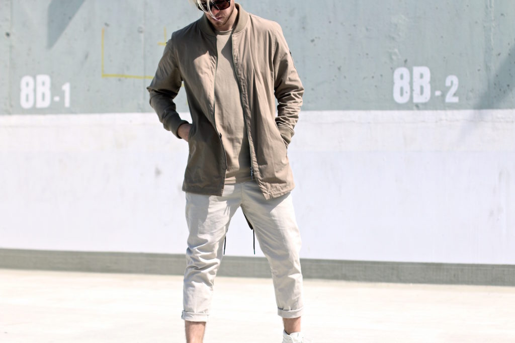 meanwhileinawesometown mens fashion and lifestyle blogger outfit trend colors beige and sand zanerobe parka weekday chinos_8