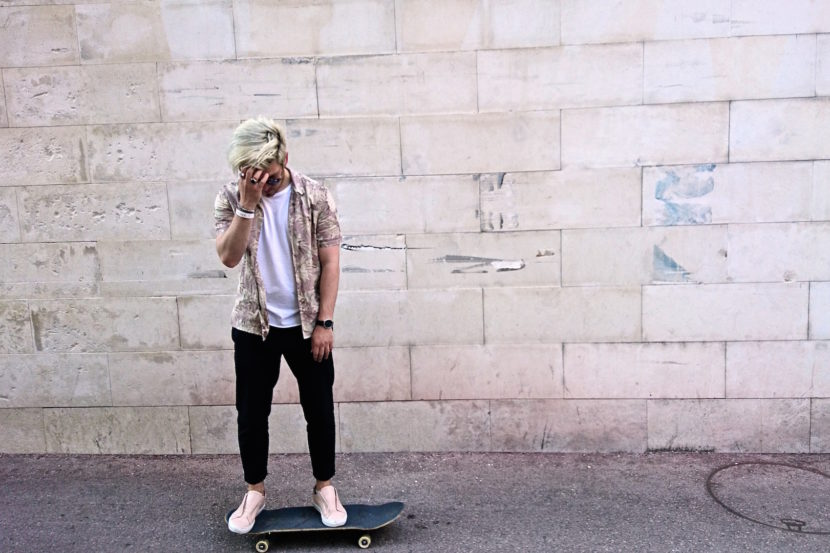 Meanwhile in Awesometown Mens Fashion and Lifestyle Blogger Sony Xperia X Skate Pop Up MQ Wien outfit allsaints floral print hawaiian shirt_11