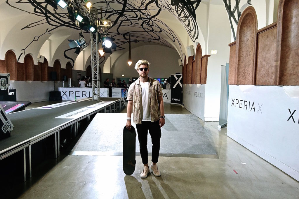 Meanwhile in Awesometown Mens Fashion and Lifestyle Blogger Sony Xperia X Skate Pop Up MQ Wien outfit allsaints floral print hawaiian shirt_9