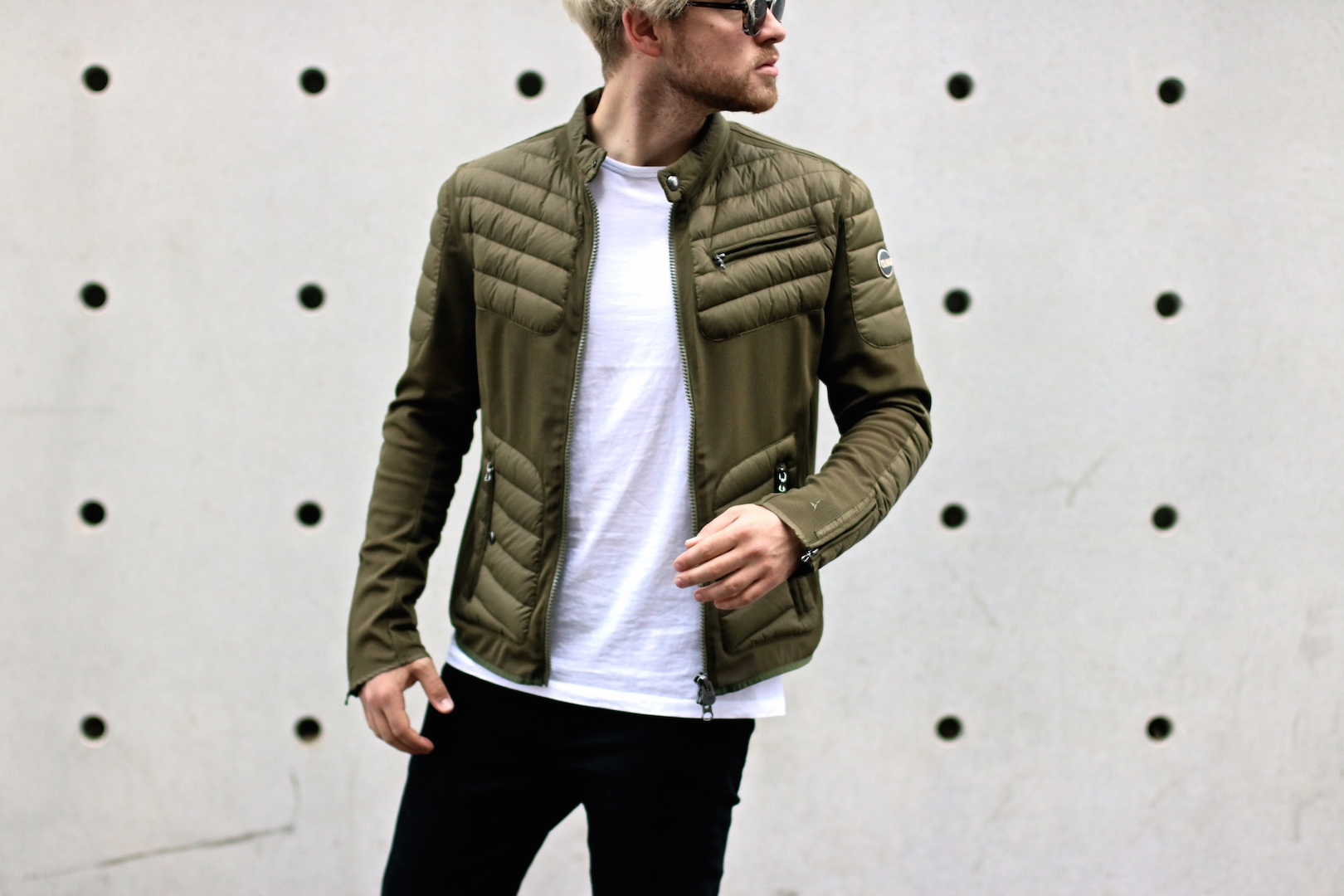 Outfit: Colmar Summer Down Jacket – Futuristic Materials meet Classy Design