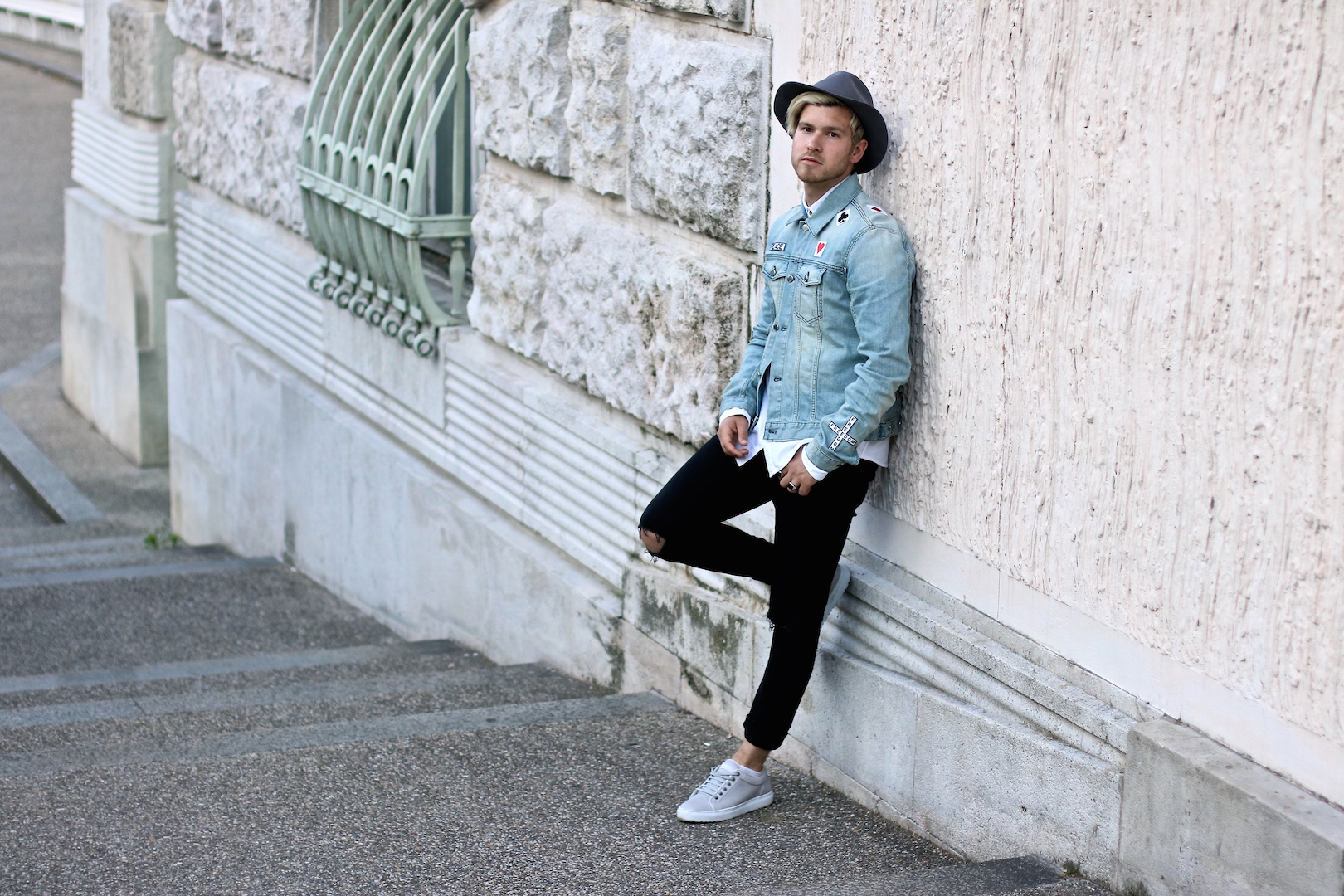92b691ea9e Outfit  Aussie Vibes with Hat   Denim