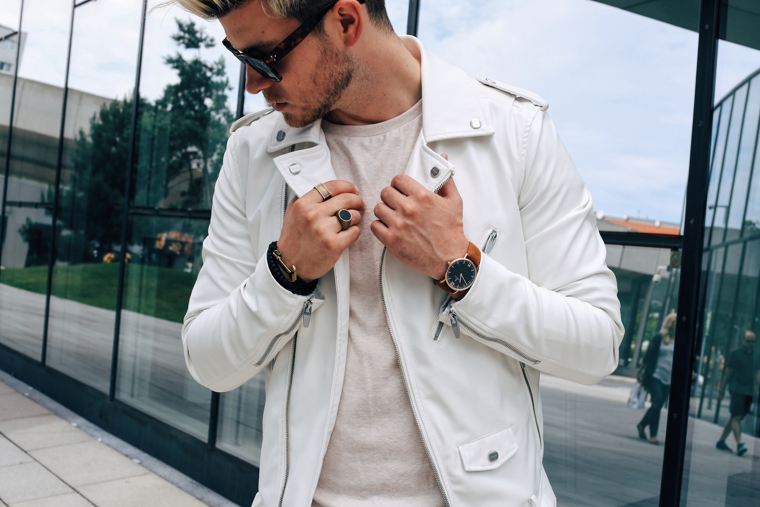 White Biker Jacket Summerly Look On Beige Meanwhile In Awesometown Mens Fashion Blogger From