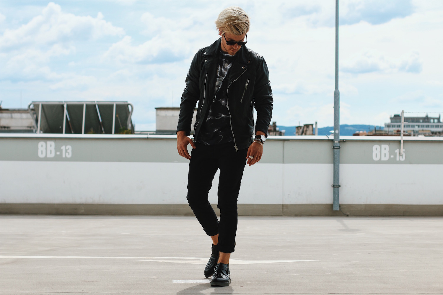 Meanwhile in Awesometown Austrian Mens Fashion Blogger_Diesel_Leather Biker Jacket_All Black_Floral Print