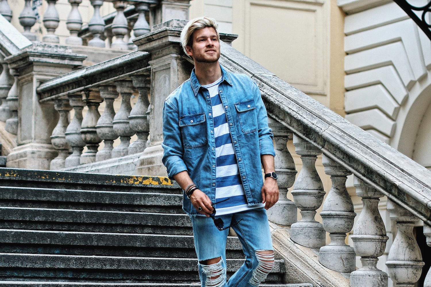 Outfit H&M Denim on Denim Look Ripped Jeans Denim Shirt Striped Tee by Meanwhile in Awesometown Austrian Mensfashion and Lifestyleblogger 4