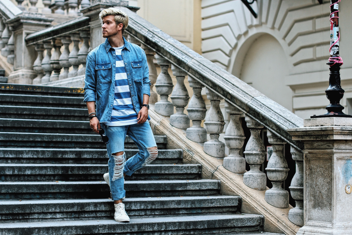 Outfit H&M Denim on Denim Look Ripped Jeans Denim Shirt Striped Tee by Meanwhile in Awesometown Austrian Mensfashion and Lifestyleblogger 6