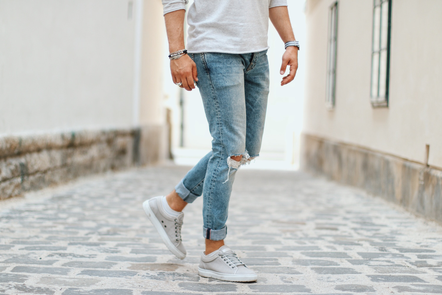Summer Knit and Ripped Jeans_Outfit by Meanwhile in Awesometown_Selected_Jack and Jones Denim_Thomas Sabo Rebel at Heart