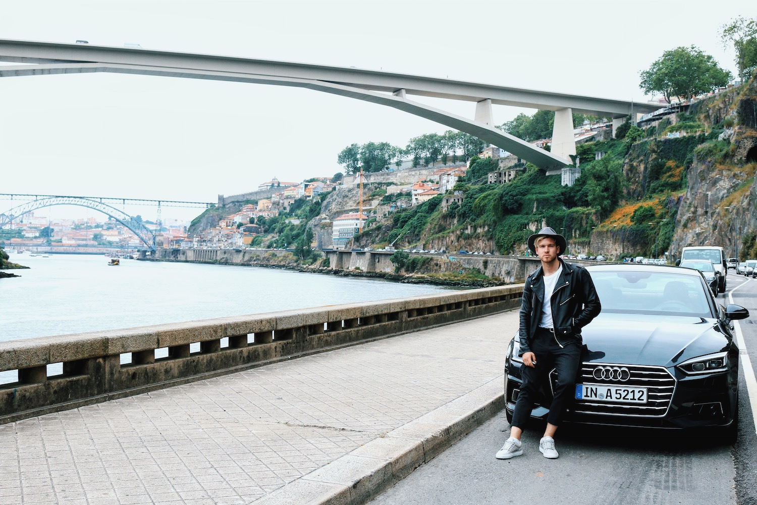 Travel-Diary_A-Long-Weekend-In-Porto_by-Meanwhile-in-Awesometown_Mens-Fashion-and-Lifestyle-Blog-from-Austria_Audi-A5-at-River-Douro-Promenade-Porto