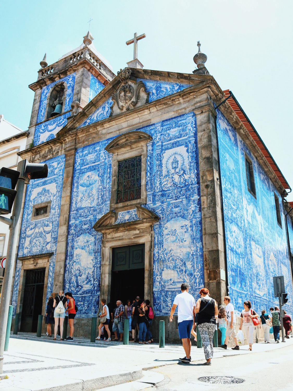 Travel-Diary_A-Long-Weekend-In-Porto_by-Meanwhile-in-Awesometown_Mens-Fashion-and-Lifestyle-Blog-from-Austria_Church-Azulejo-Porto