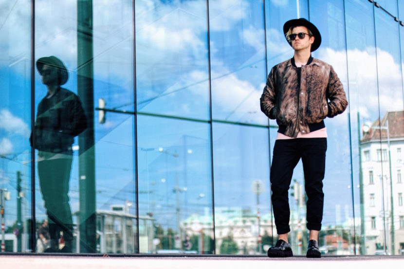 Outfit Tiger of Sweden Autumn Winter Collection Illuster Bomber Jacket Meanwhile in Awesometown Austrian Mens Fashion and Lifestyle Blogger