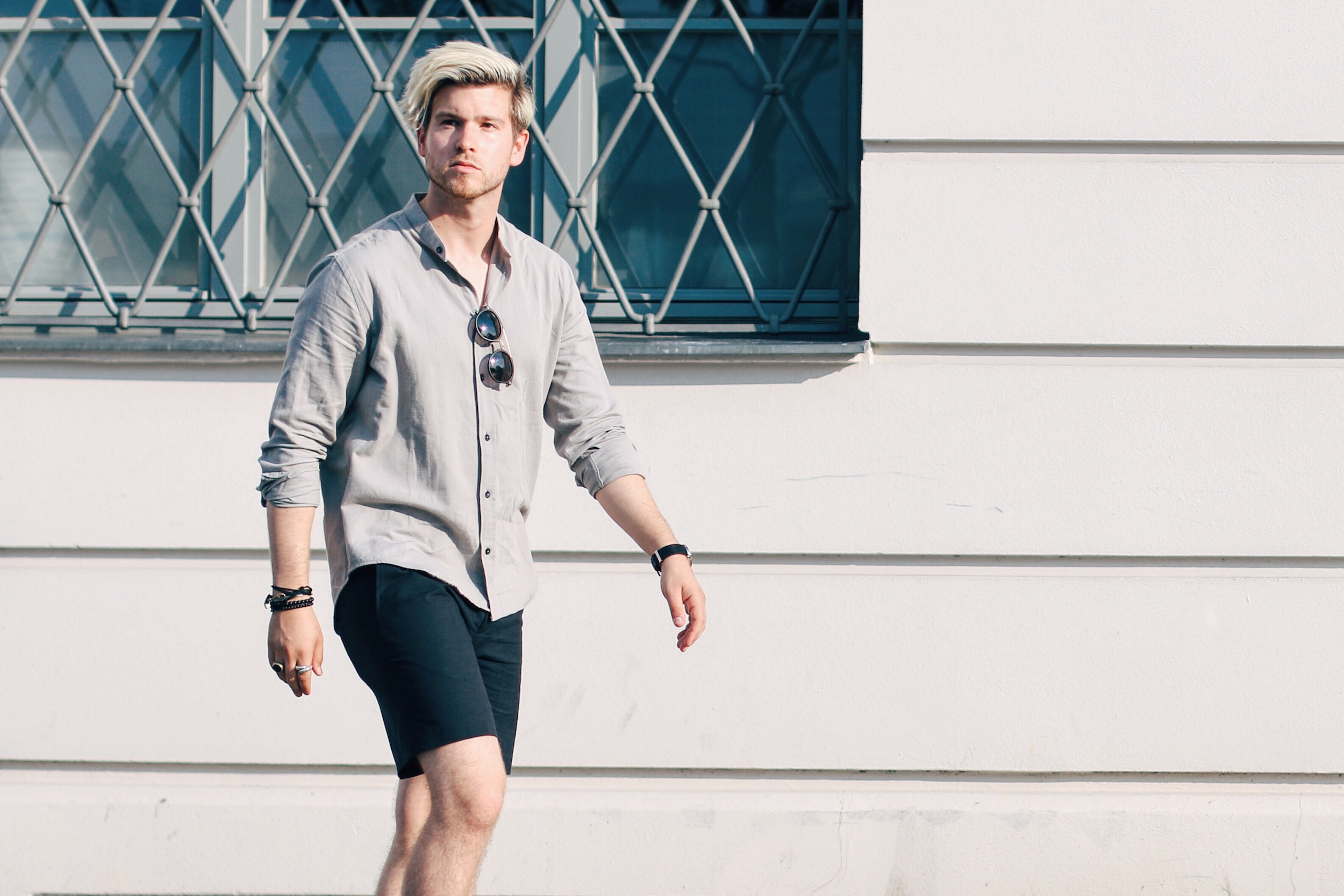 How to Style Tailored Shorts Samsoe & Samsoe Outfit by Meanwhile in Awesometown Men's Fashion and Style Blogger from Austria