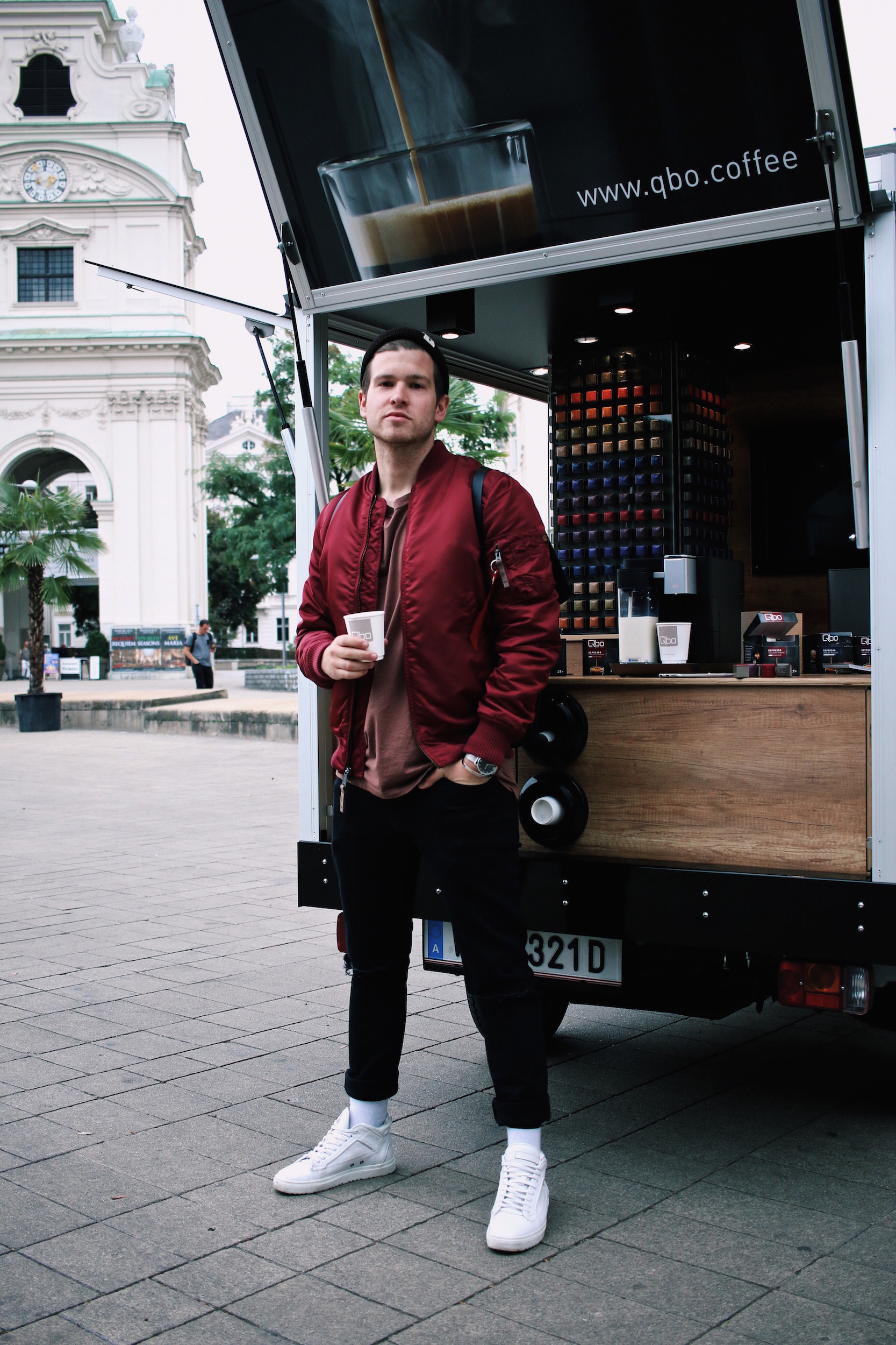 qbo kaffeemobil coffee to go Meanwhile in Awesometown Outfit Red Alpha Industries Bomber Jacket Austrian Mens Fashion and Lifestyle Blogger Male Blogger5