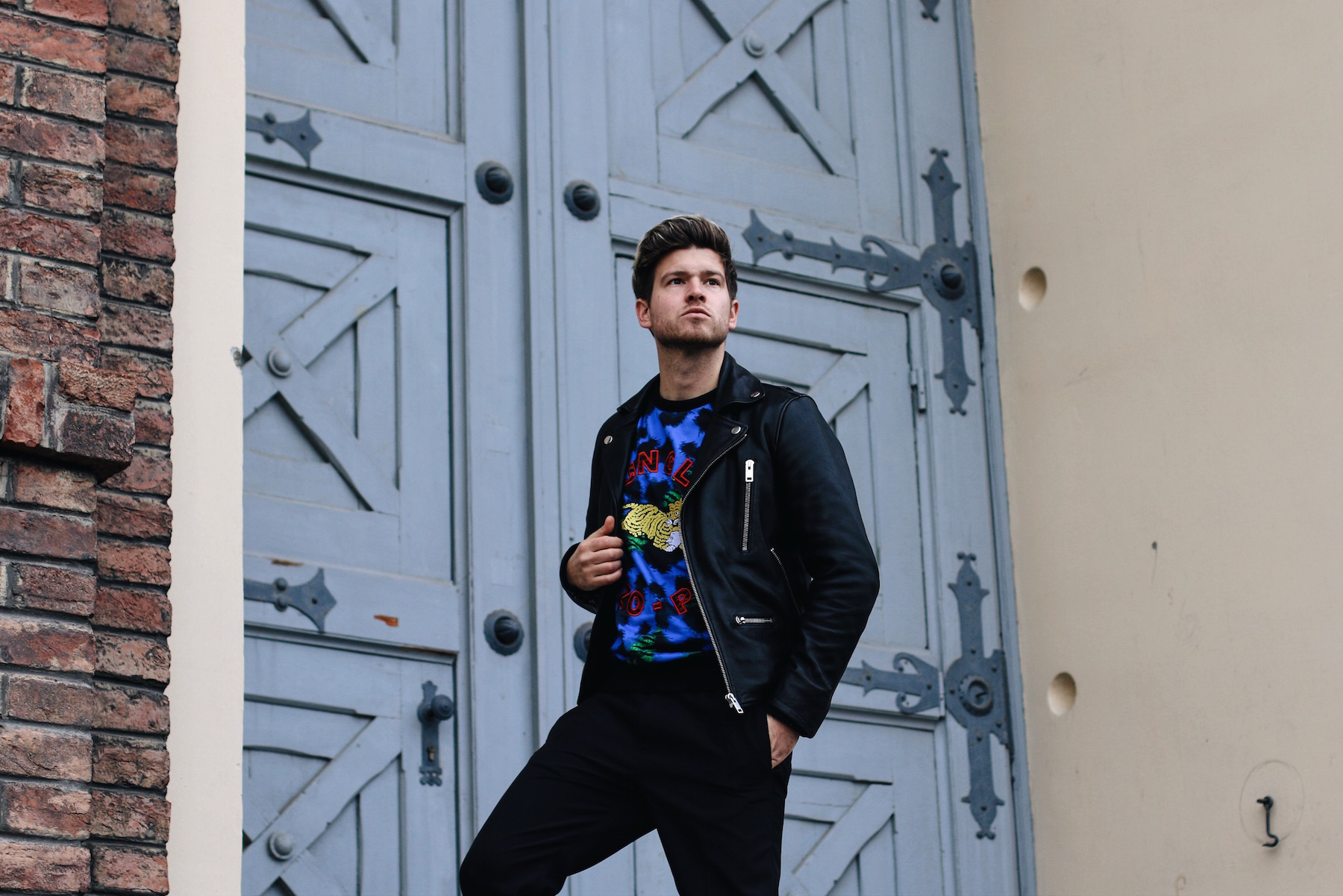 Camel Active Cocoon Sneakers styled with Kenzo x H&M collection_Meanwhile in Awesometown Austrian Mens Fashion and Lifestyle Blogger3