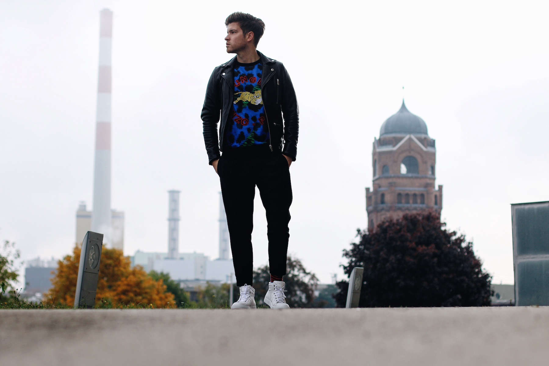 Camel Active Cocoon Sneakers styled with Kenzo x H&M collection_Meanwhile in Awesometown Austrian Mens Fashion and Lifestyle Blogger7