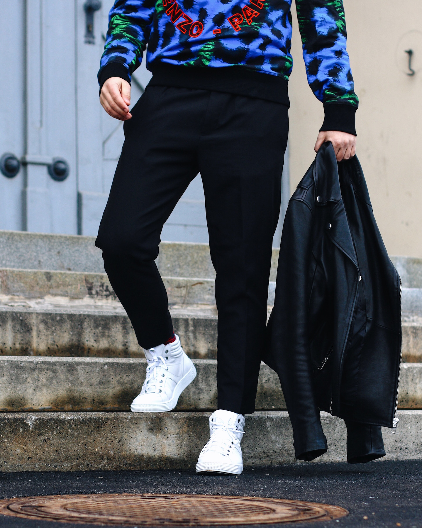 Camel Active Cocoon Sneakers styled with Kenzo x H&M collection_Meanwhile in Awesometown Austrian Mens Fashion and Lifestyle Blogger