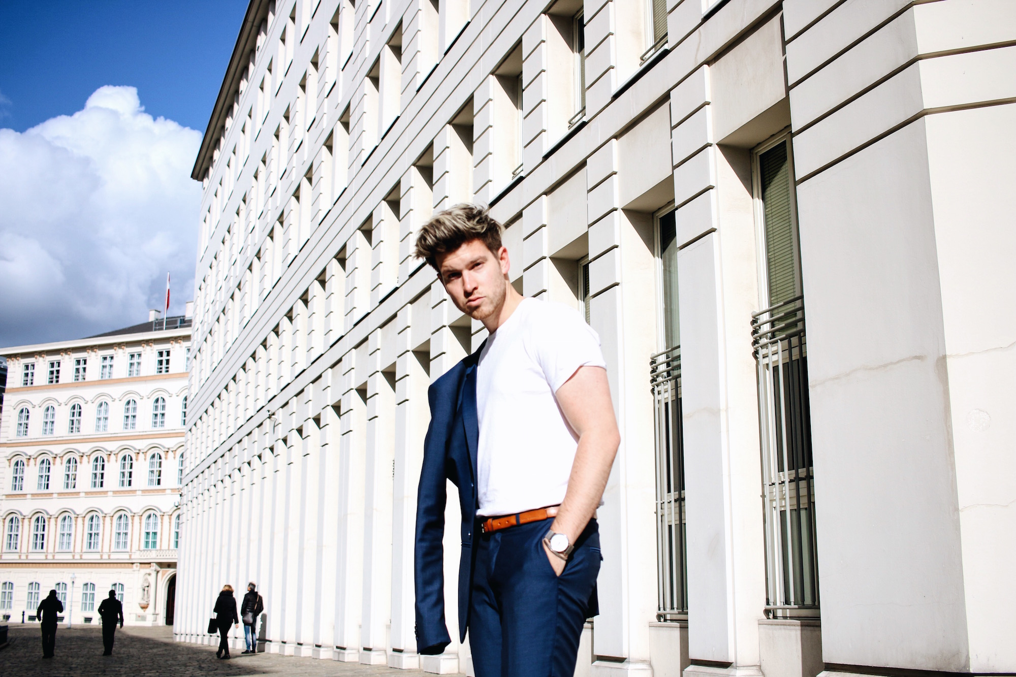 Tiger-Of-Sweden-Suit-Mix-Match_Three-ways-to-wear-a-suit_Meanwhile-in-Awesometown_Austrian-Mens-Fashion-and-Lifestyle-Blogger17