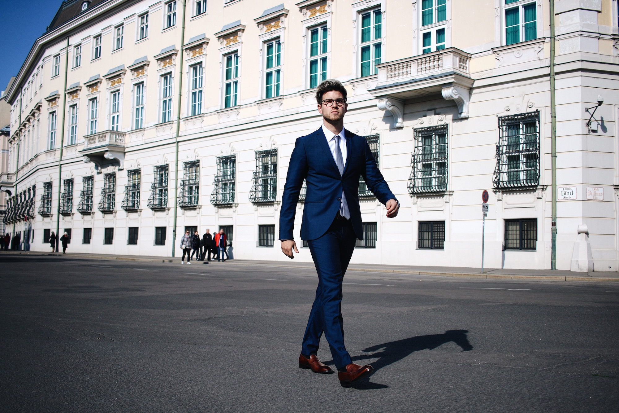 Tiger-Of-Sweden-Suit-Mix-Match_Three-ways-to-wear-a-suit_Meanwhile-in-Awesometown_Austrian-Mens-Fashion-and-Lifestyle-Blogger3