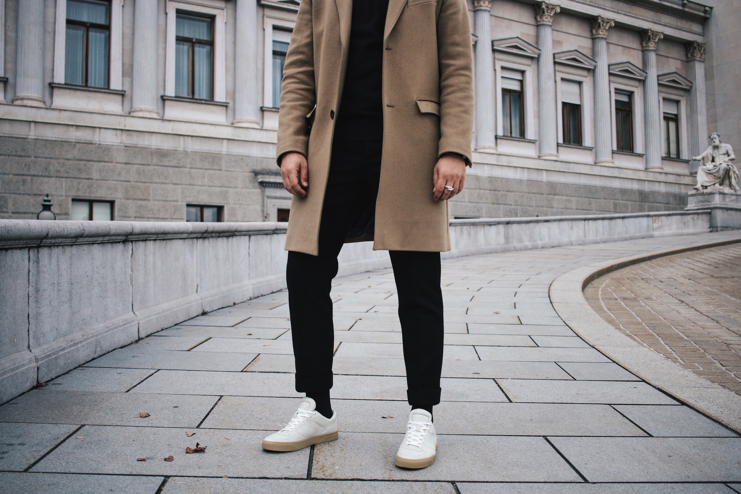 Tiger of Sweden Camel Coat_Turtleneck Sweater_All Black_VOR Shoes_Outfit by Meanwhile in Awesometown_Austrian Mens Fashion and Lifestyle Blogger 11