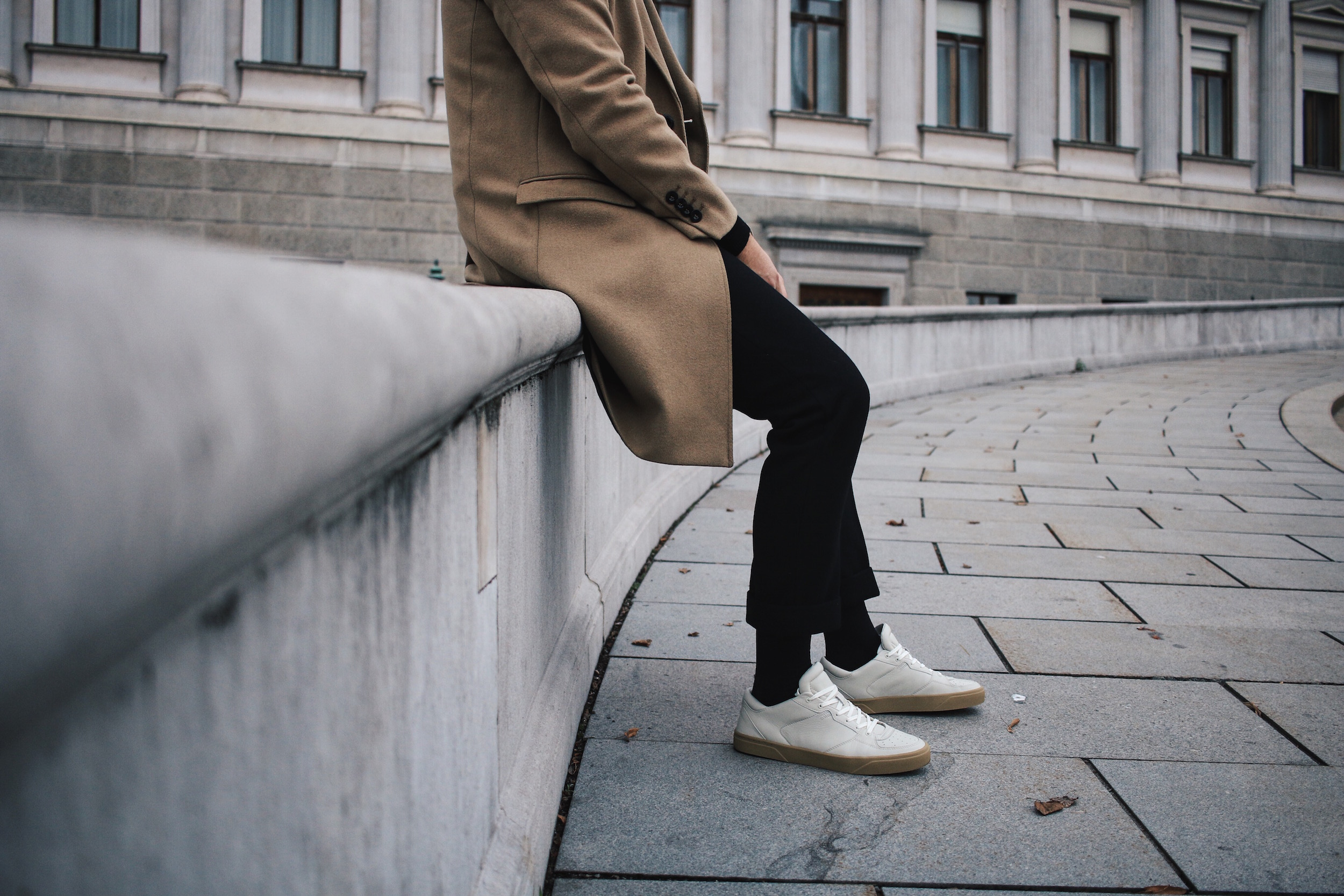 Tiger of Sweden Camel Coat_Turtleneck Sweater_All Black_VOR Shoes_Outfit by Meanwhile in Awesometown_Austrian Mens Fashion and Lifestyle Blogger 3