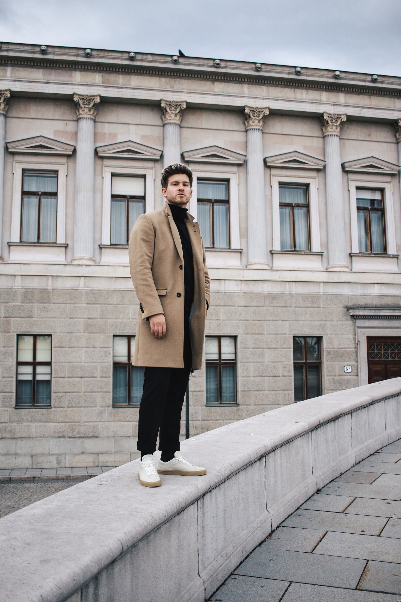 Tiger of Sweden Camel Coat_Turtleneck Sweater_All Black_VOR Shoes_Outfit by Meanwhile in Awesometown_Austrian Mens Fashion and Lifestyle Blogger 6