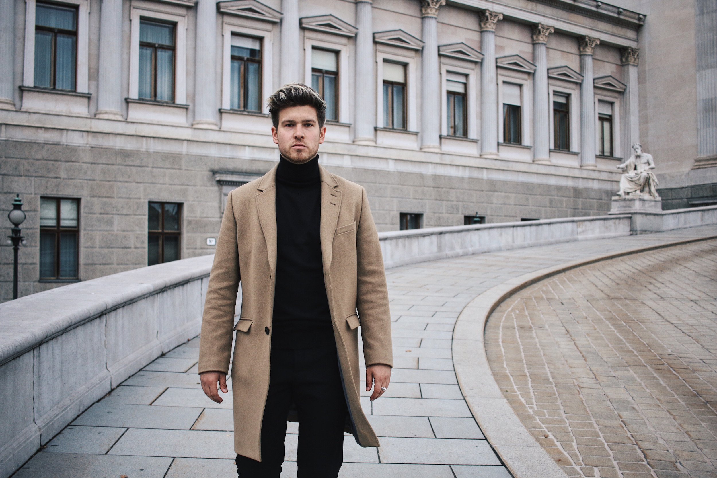 Tiger of Sweden Camel Coat_Turtleneck Sweater_All Black_VOR Shoes_Outfit by Meanwhile in Awesometown_Austrian Mens Fashion and Lifestyle Blogger 8