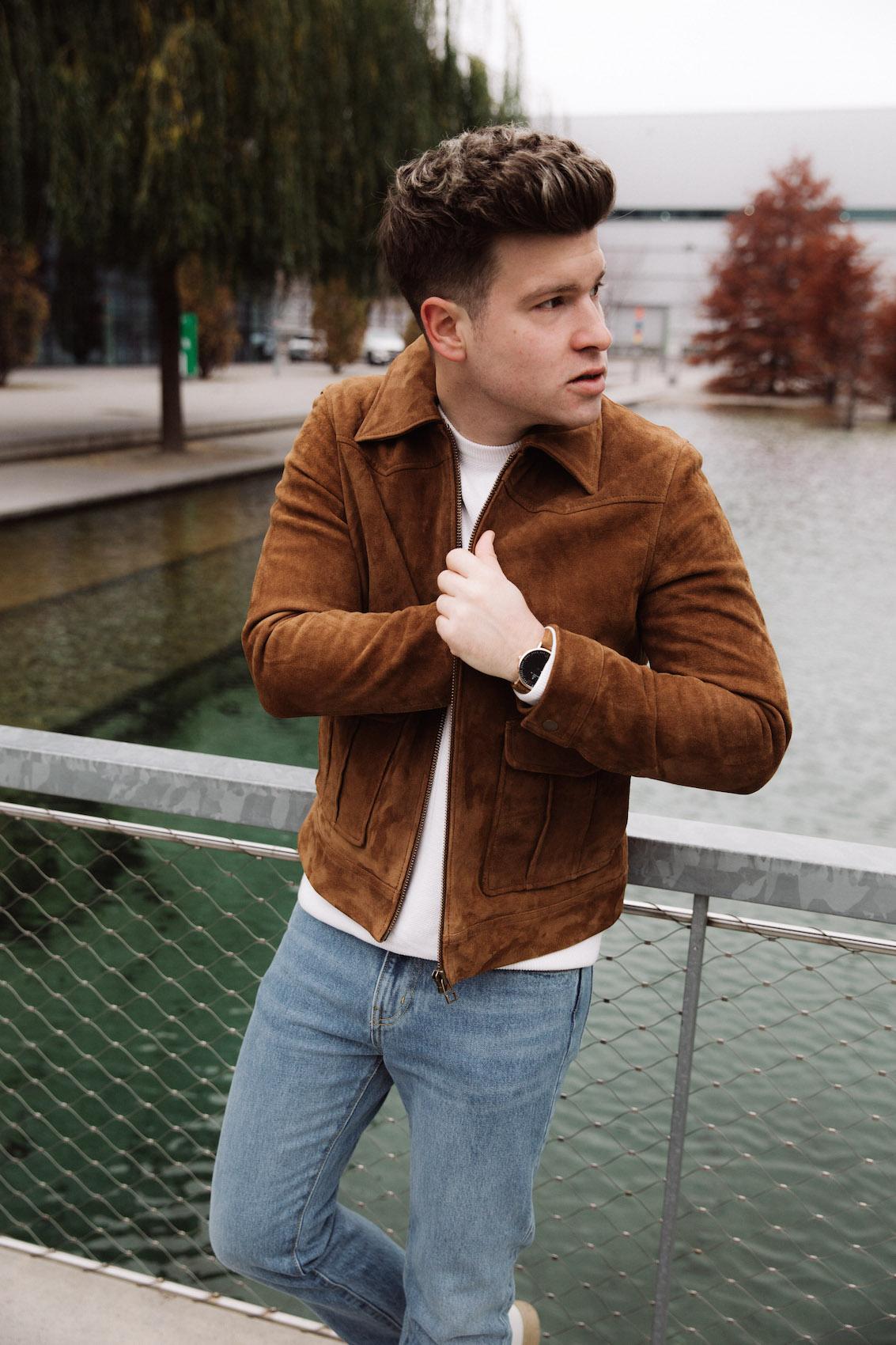 weekday Herbstoutfit Wildlederjacke 90er Jahre Jeans und Stickpulli Outfitpost von Meanwhile in Awesometown - Wiener Männermode und Lifestyle Blogger8
