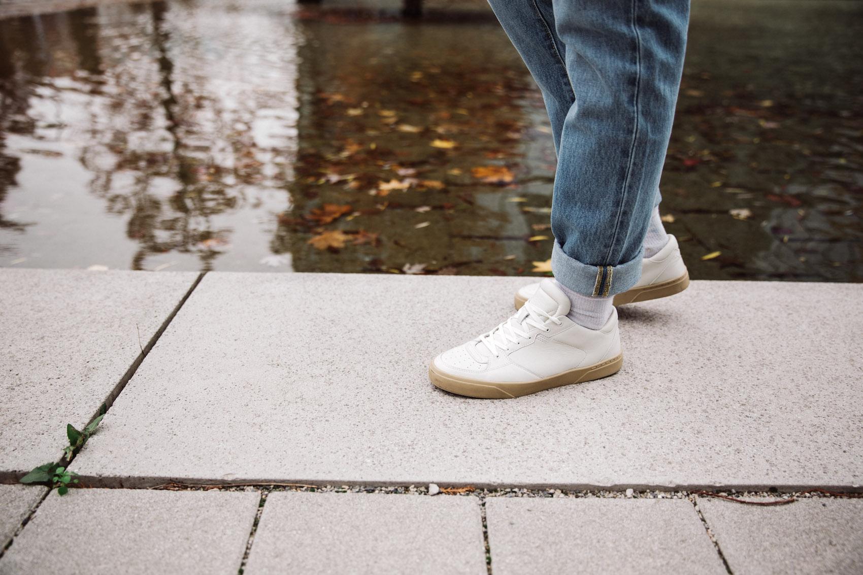 weekday Herbstoutfit Wildlederjacke 90er Jahre Jeans und Stickpulli Outfitpost von Meanwhile in Awesometown - Wiener Männermode und Lifestyle Blogger12