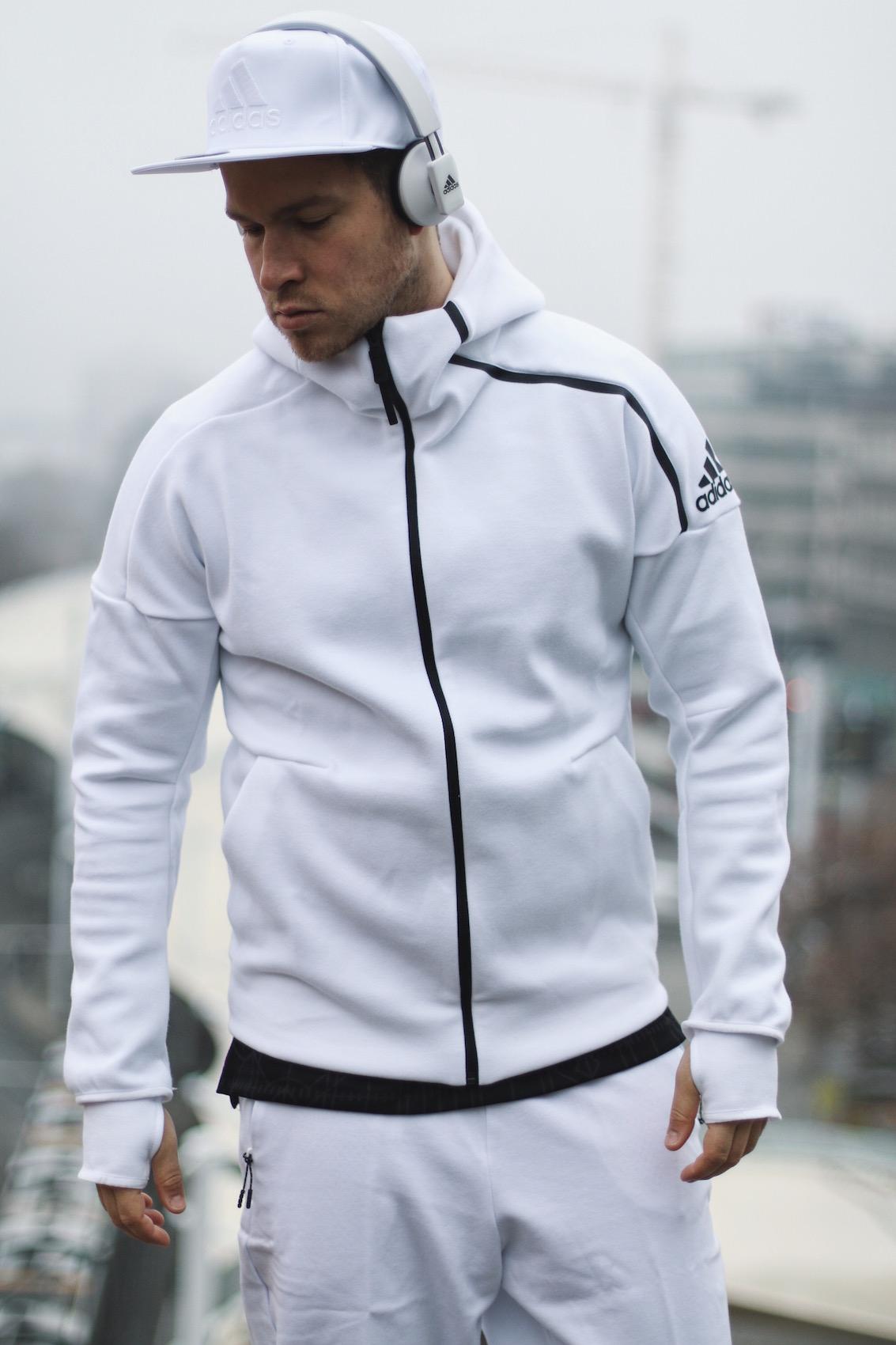 Adidas ZNE Hoodie_Adidas Austria_Meanwhile in Awesometown_Wiener Männerblog Modeblog Männermode Lifestyleblog3