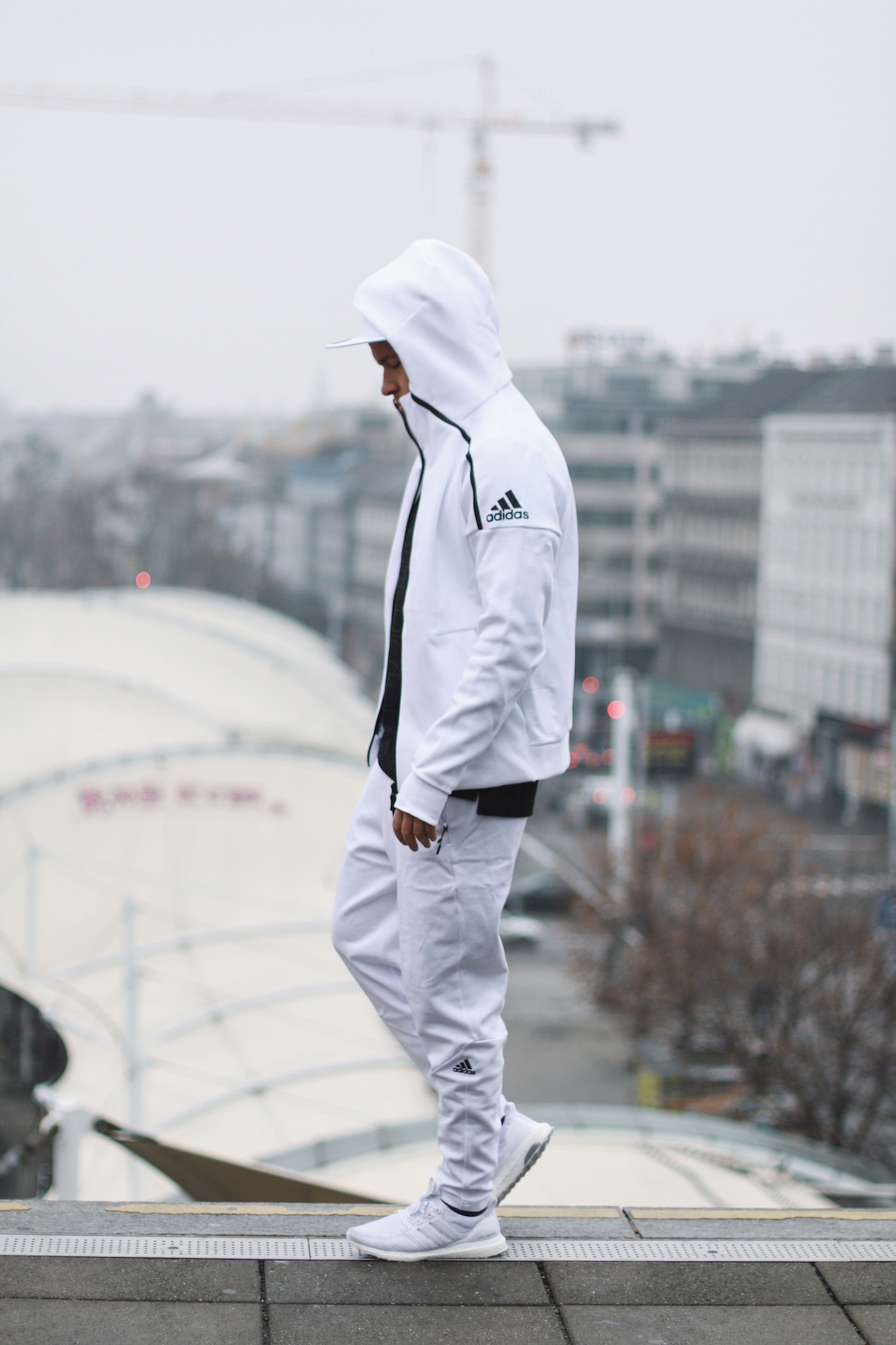 Adidas ZNE Hoodie_Adidas Austria_Meanwhile in Awesometown_Wiener Männerblog Modeblog Männermode Lifestyleblog7