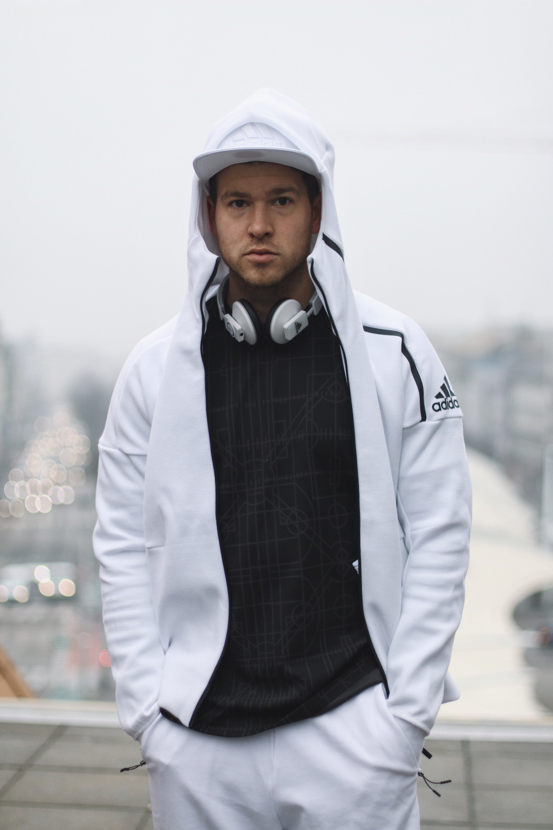 Adidas ZNE Hoodie_Adidas Austria_Meanwhile in Awesometown_Wiener Männerblog Modeblog Männermode Lifestyleblog8