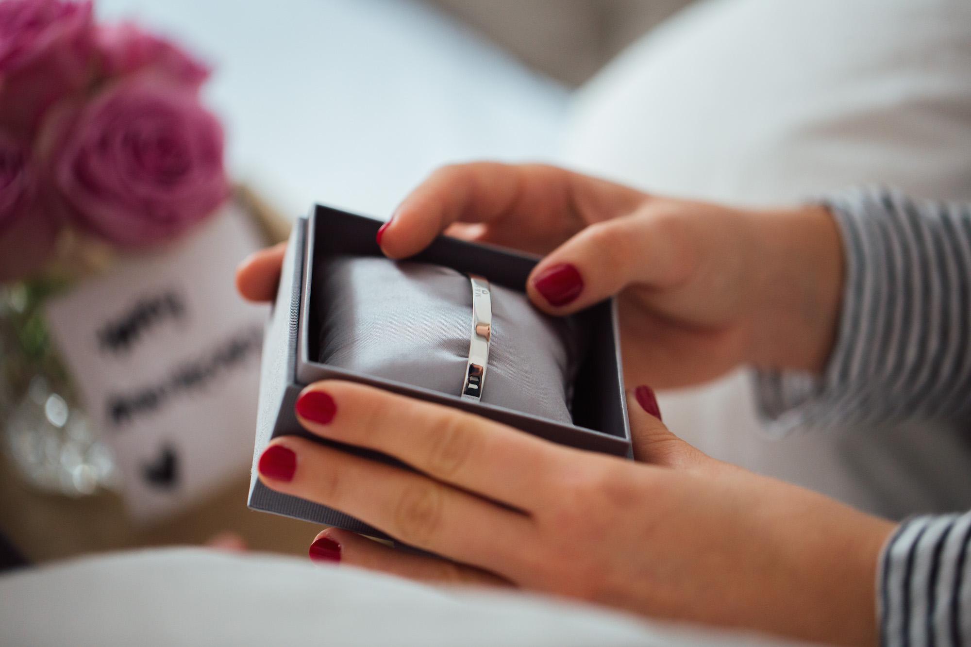 Anna Inspiring Jewellery_Design your Bangle_Weihnachtsgeschenk für die Partnerin_Meanwhile in Awesometown_Männerblogger_Maleblogger_Lifestyleblog_Fashionblog_Menswear Blogger7