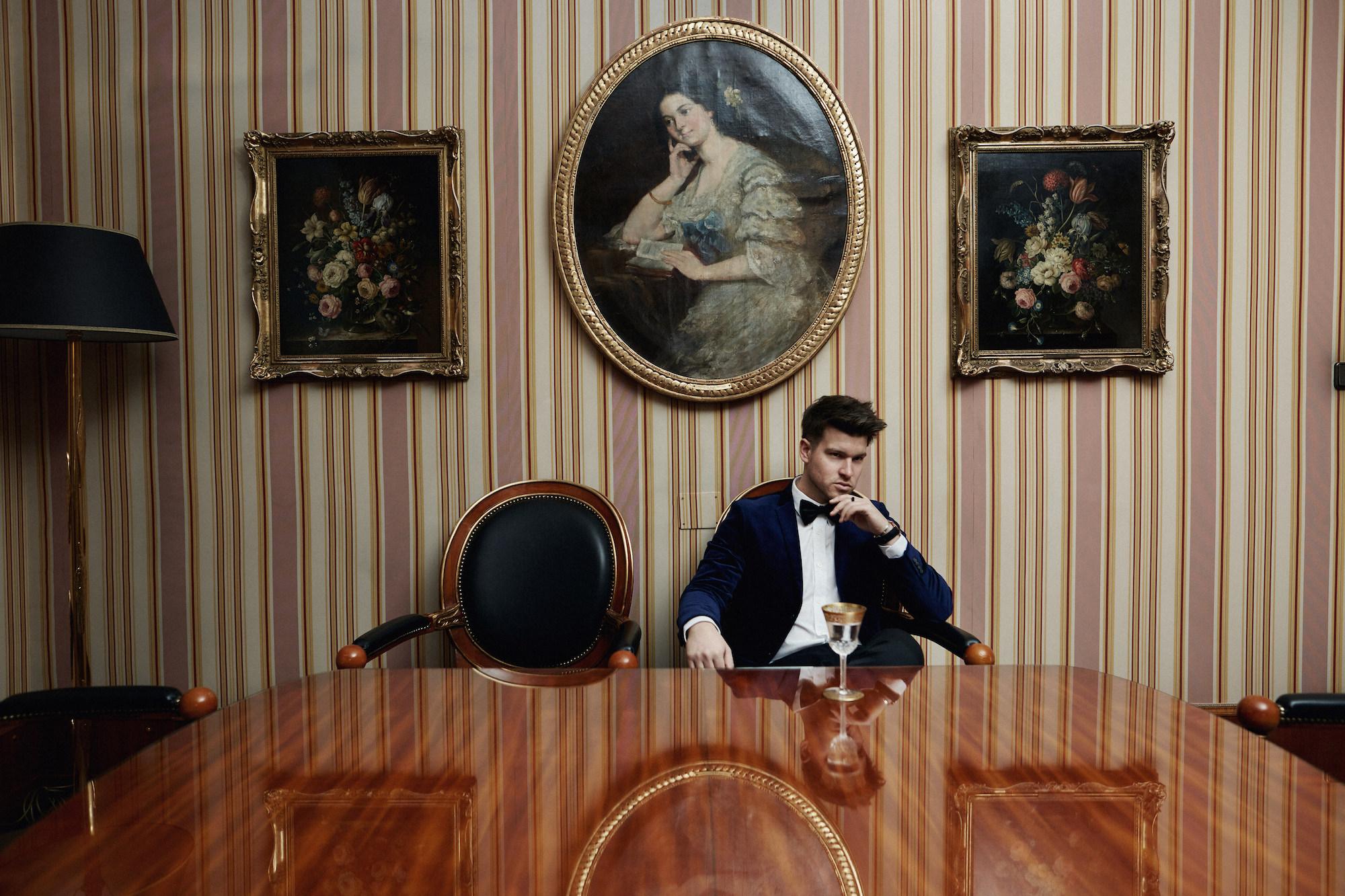 Elegantes Silvesteroutfit für Männer_Tiger of Sweden Samt Blazer_Meanwhile in Awesometown_Modeblogger_Mens Fashion und Lifestyleblogger_Wiener Blogger_Maleblogger1