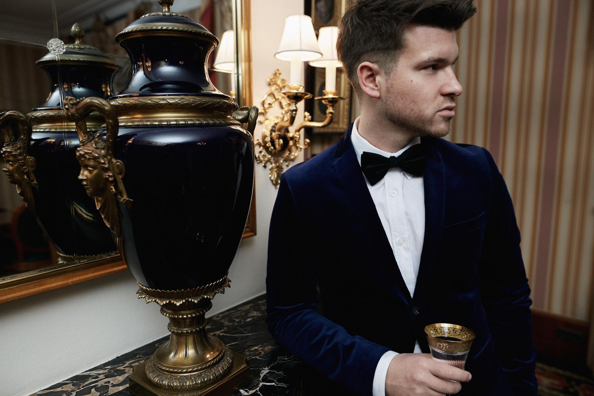 Elegantes Silvesteroutfit für Männer_Tiger of Sweden Samt Blazer_Meanwhile in Awesometown_Modeblogger_Mens Fashion und Lifestyleblogger_Wiener Blogger_Maleblogger13