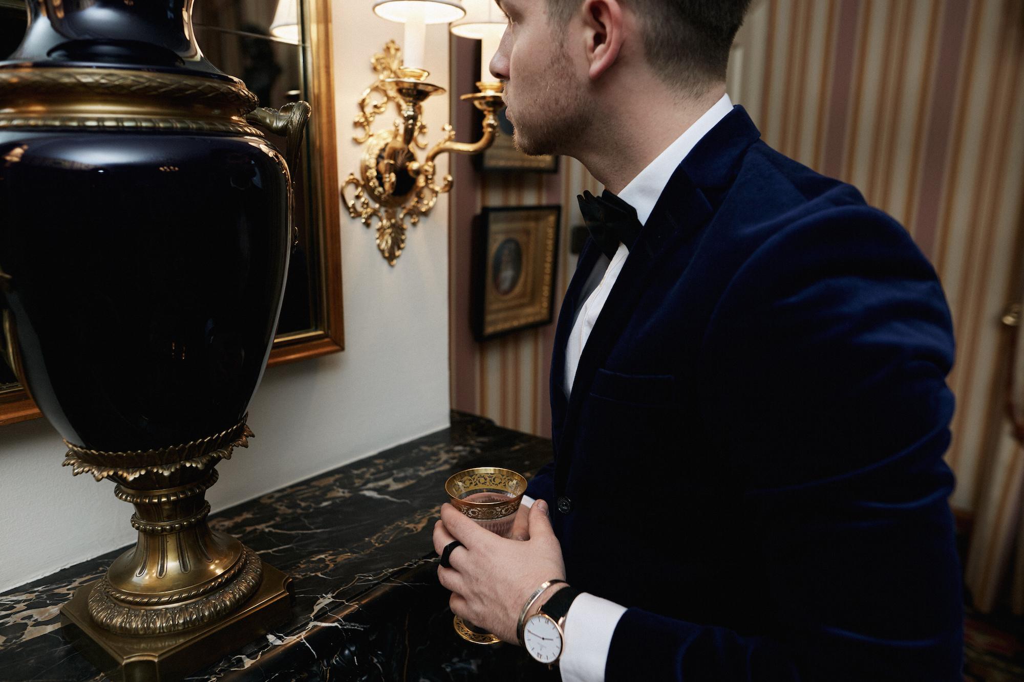 Elegantes Silvesteroutfit für Männer_Tiger of Sweden Samt Blazer_Meanwhile in Awesometown_Modeblogger_Mens Fashion und Lifestyleblogger_Wiener Blogger_Maleblogger14