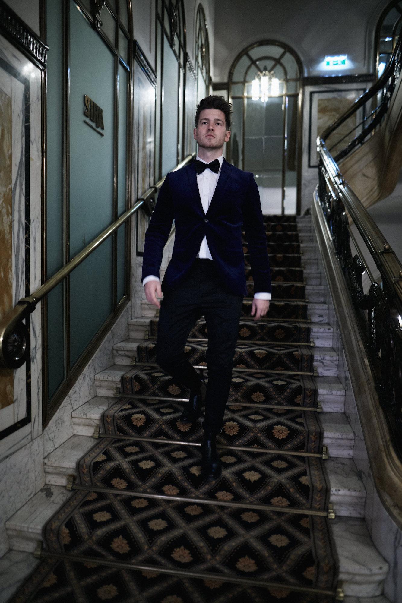 Elegantes Silvesteroutfit für Männer_Tiger of Sweden Samt Blazer_Meanwhile in Awesometown_Modeblogger_Mens Fashion und Lifestyleblogger_Wiener Blogger_Maleblogger19