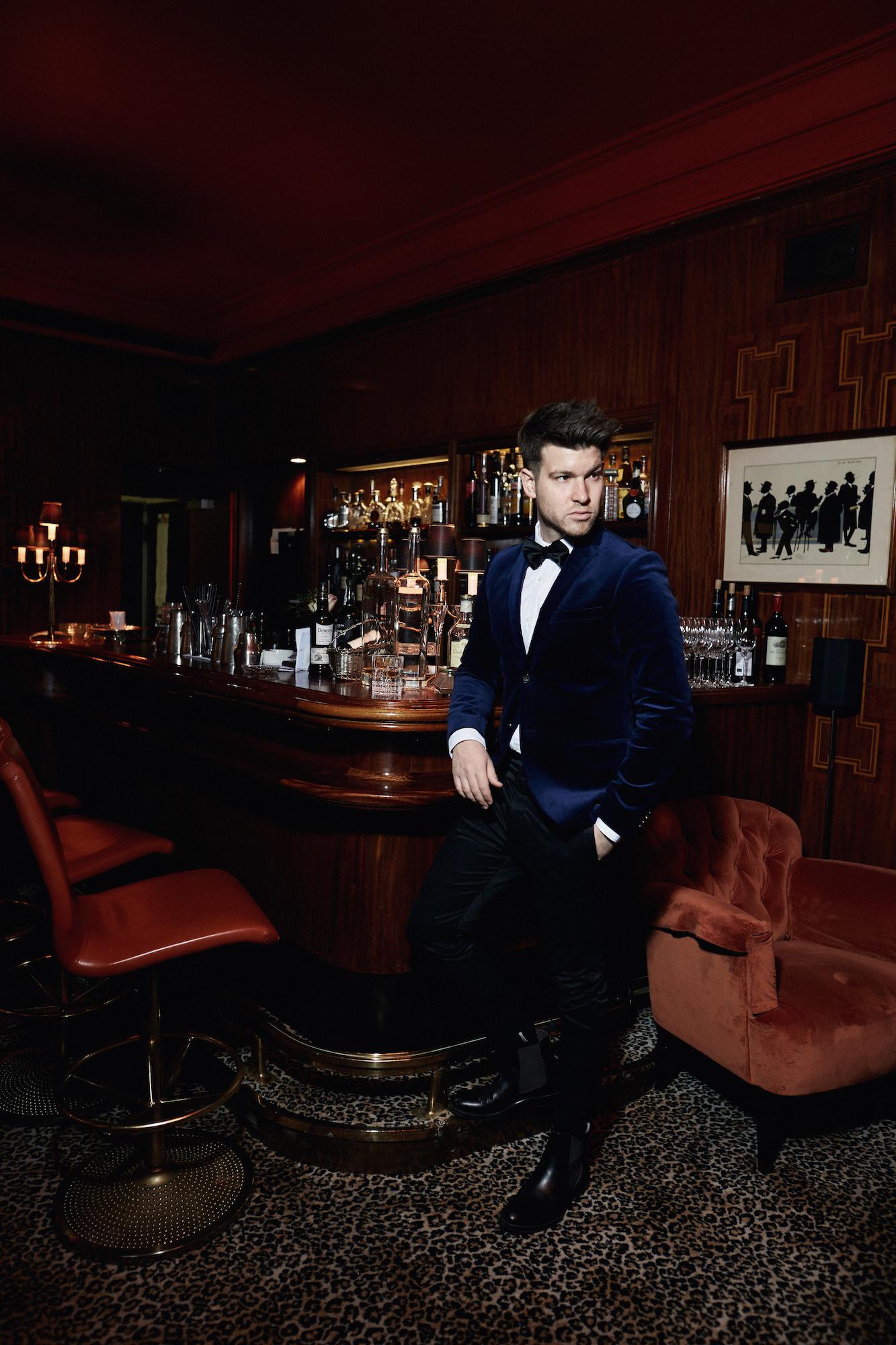 Elegantes Silvesteroutfit für Männer_Tiger of Sweden Samt Blazer_Meanwhile in Awesometown_Modeblogger_Mens Fashion und Lifestyleblogger_Wiener Blogger_Maleblogger4