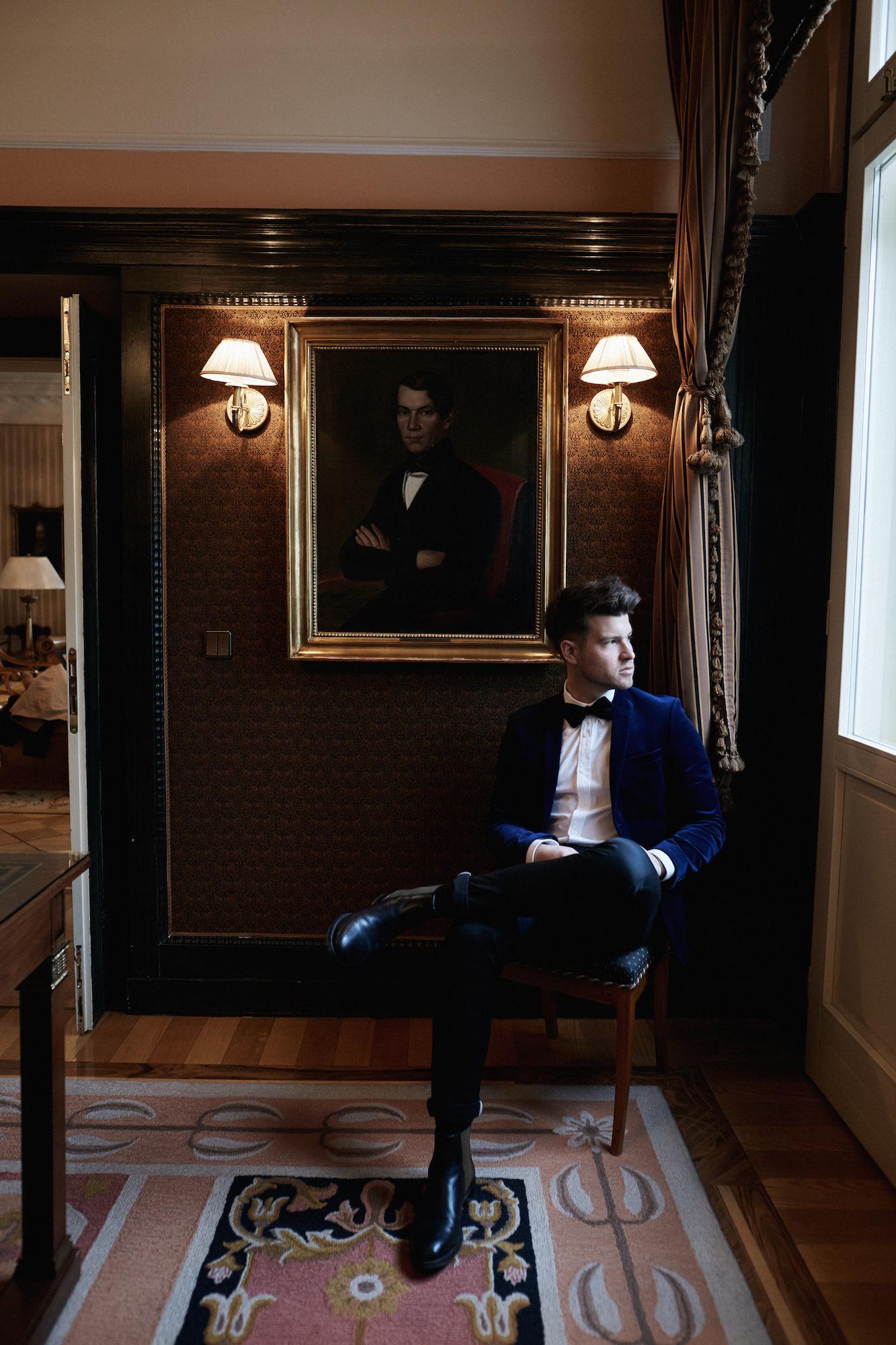 Elegantes Silvesteroutfit für Männer_Tiger of Sweden Samt Blazer_Meanwhile in Awesometown_Modeblogger_Mens Fashion und Lifestyleblogger_Wiener Blogger_Maleblogger8