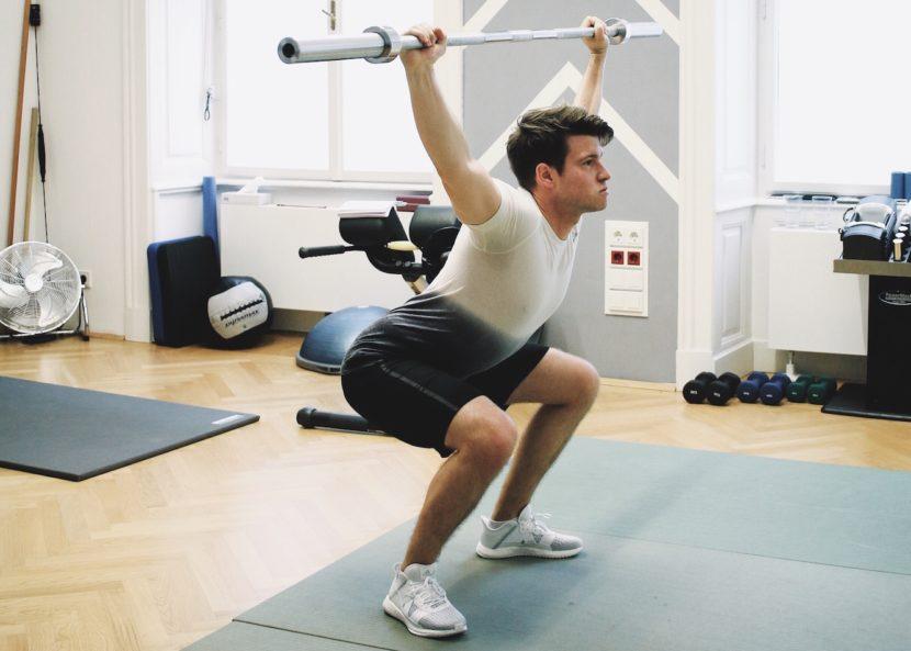Fitness-Update_Das-perfekte-Aufwärmprogramm-mit-Langhantel-Übungen_Vitura_Adidas_Meanwhile-in-Awesometown_Männerblogger_Modeblogger_Maleblogger_Lifestyleblogger_Wiener-Blogger